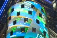 WALL STREET: Novi rekordi rekord Dow Jonesa, Nasdaq pao